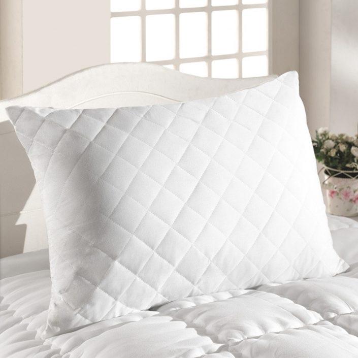Kapitone Pillow